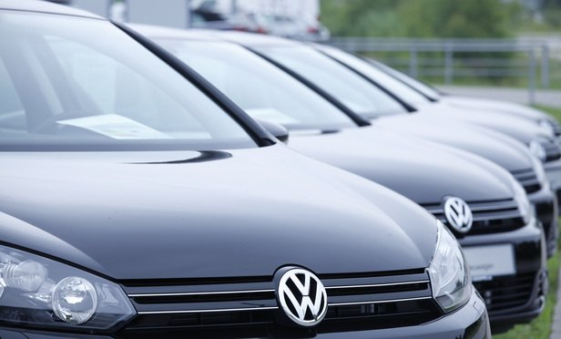 VW Buyers in Europe Enlist US Firms to Clear Hurdles to Recovery