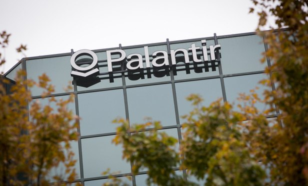 Palantir Says Major Investor Stole Business Secrets, Applied for