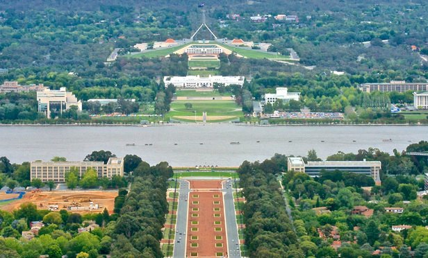 Canberra_viewed_from_Mount_Ainslie-Article-201704121622