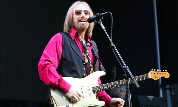 Tom Petty performs in concert at Forest Hills Stadium.