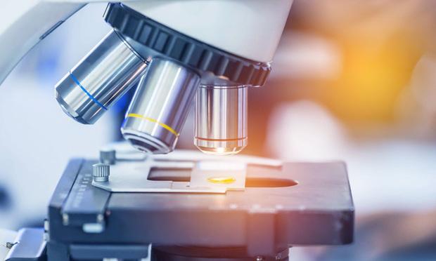Biomedical research. Credit: Soonthorn Wongsaita/Shutterstock.com