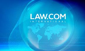 Beyond Borders: What Lawyers Need to Know About the Global Legal Market