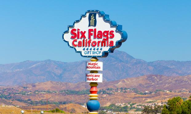 Six Flags Magic Mountain entrance sign.