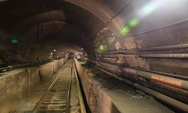 The North River Tunnel under the Hudson River connects New York and New Jersey and carries Amtrak and NJ TRANSIT passengers making 200,000 daily trips. Photo Credit: Gateway Program Development Corp.