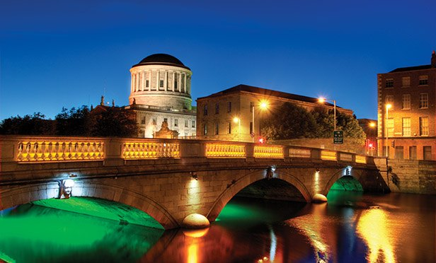 dublin-liffey-at-night-web_616x372