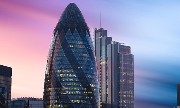 Kirkland-and-Ellis-offices-Gherkin-St-Mary-Axe_shutterstock_1104995042