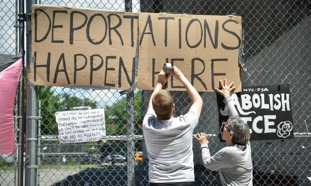People protest against ICE separation of asylum seeking immigrants from their family outside a Federal facility at 201 Varick St. in New York City on Tuesday, June 26, 2018...(Photo by David Handschuh/NYLJ)