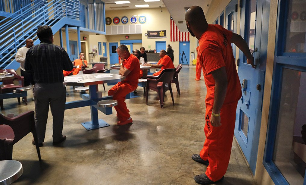 New Parole Laws In Texas 2020 Bill Allowing 'Elder Parole' Consideration for Older Inmates Gains