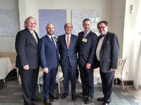 Justice Oing Receives Louis Capozzoli Gavel Award