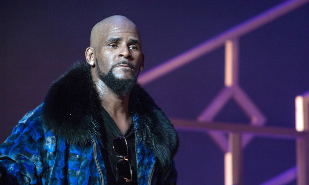 R Kelly - By Jamie Lamor Thompson / Shutterstock.com