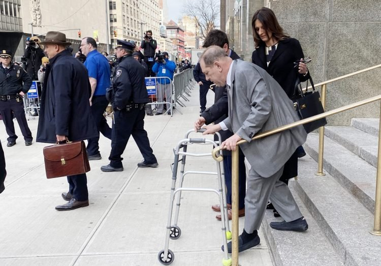 Harvey Weinstein and his legal team leaving Manhattan criminal court on Tuesday, Jan. 7, 2020. Photo: Jane Wester/NYLJ