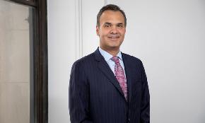 Bannon Hires Quinn Emanuel's Bill Burck as Prosecutors Hint at Conflicts Issues