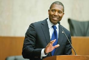 What Lawyers Who Know Tony West Think of His Move to Uber
