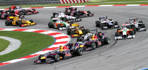 Formula One 2010 Rd.3 Malaysian GP: opening lap. Wikimedia