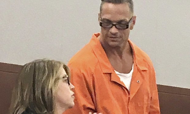Nevada death row inmate Scott Raymond Dozier confers with Lori Teicher, a federal public defender involved in his case, during an appearance in Clark County District Court in Las Vegas. (AP Photo/Ken Ritter, File)