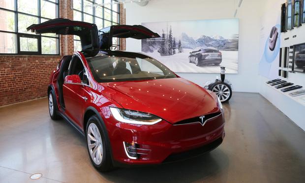 Tesla dealership at Red Hook in Brooklyn, New York. Leonard Zhukovsky/Shutterstock