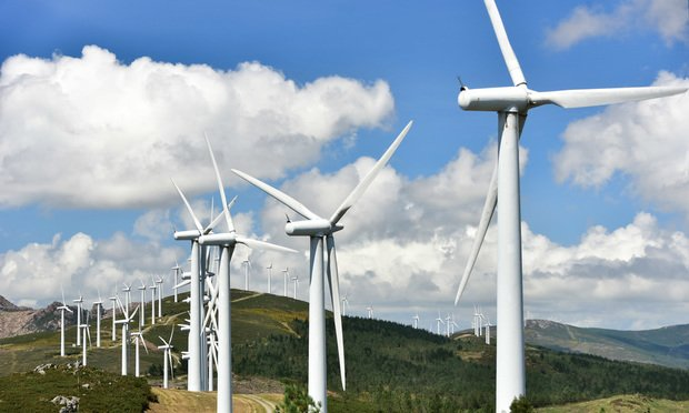 Texas Leads in Wind Power Capacity, But Renewables Lateral