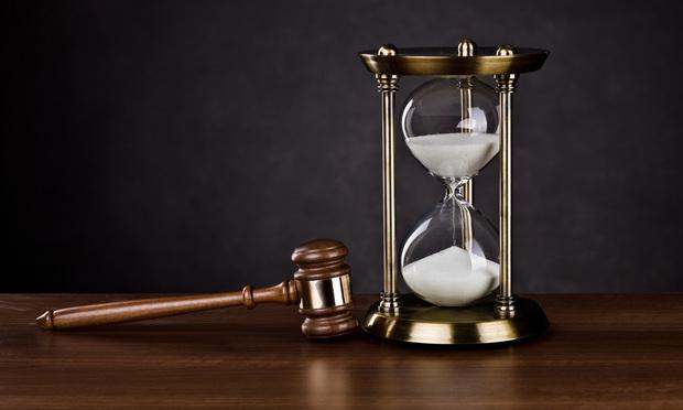gavel-hourglass