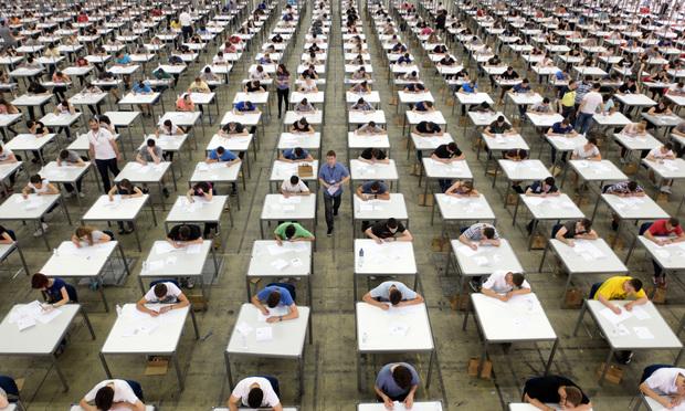 Students in exaimination hall.