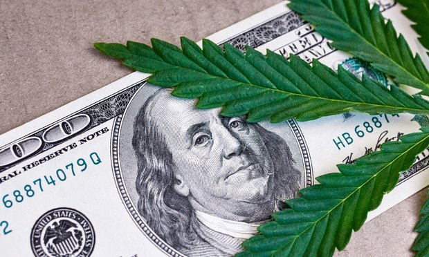 California Looking Into Possibility of Creating State Bank for Marijuana Industry