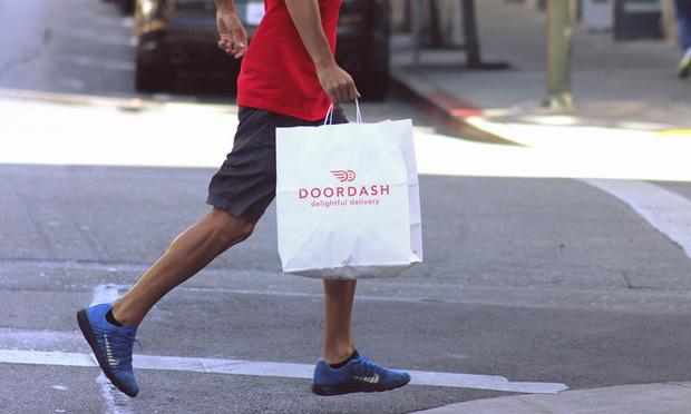 doordash delivery worker