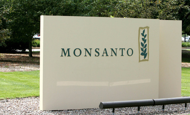 In a Twist, Monsanto Execs Voluntarily Pay Up in SEC Deal