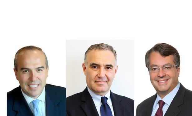 Left to right: Rogelio López Velarde, Dentons' Mexico managing partner; Gregorio G. Canales, Dentons Lopez Velarde Monterrey managing partner and Jorge Alers, Dentons' chief executive officer for Latin America and the Caribbean.