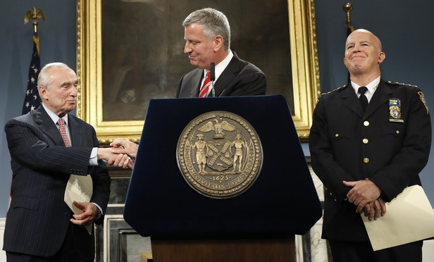 Bratton to Step Down as NYPD Commissioner After Challenging