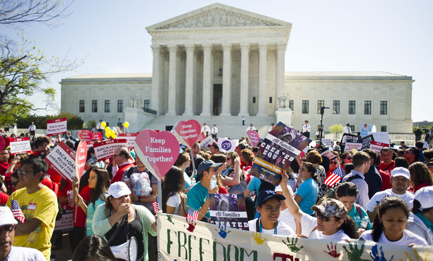 Demonstrators outside the U.S. Supreme Court on the day of arguments in the immigration case United States v. Texas. April 18, 2016. Photo by Diego M. Radzinschi/THE NATIONAL LAW JOURNAL.