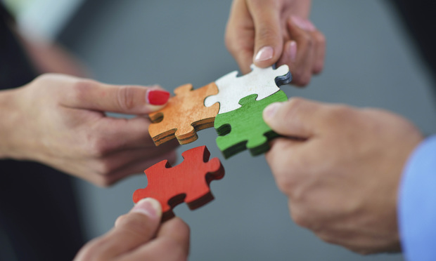 Report Touts Record-Breaking Year for Law Firm Mergers